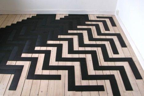 Apokalyps Labotek flooring