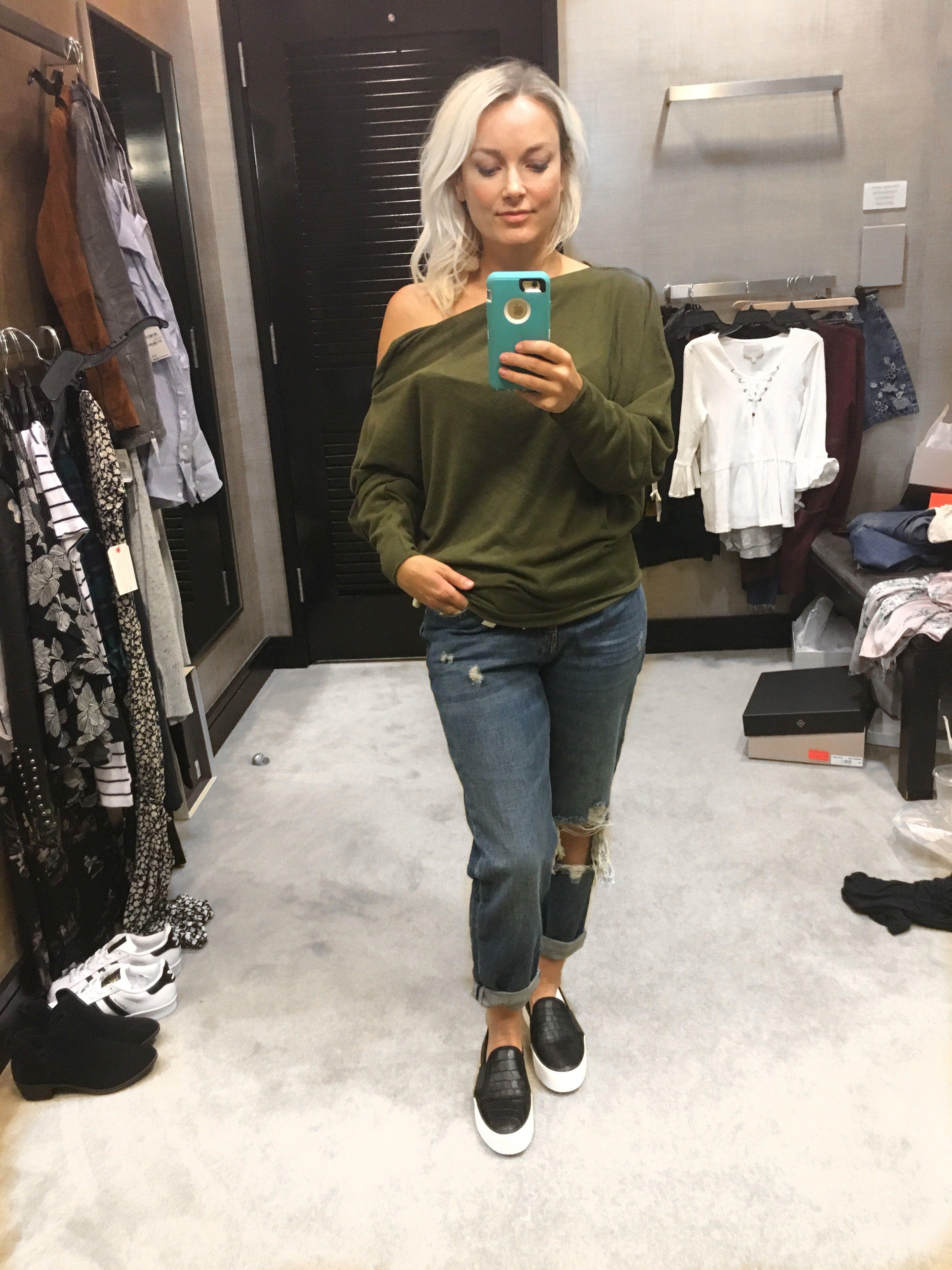 f7b2e511e396 Nordstrom Anniversary Sale 2017 TopShop boyfriend jeans