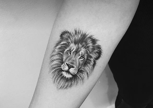 Pin By Ana Chang On Tattoos Tattoos For Guys Small Lion Tattoo Lion Head Tattoos