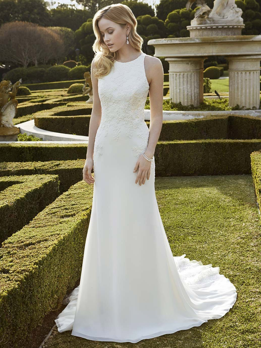 Wedding Dress Shapes and Styles for Brides with a Small Bust ...