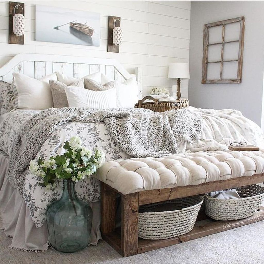 39 Inexpensive Farmhouse Style Ideas For Bedroom Decorating #bedroominspirations
