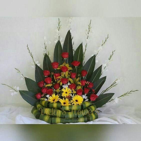 Church Altars Modern Flower Arrangement: AA จัดดอกไม้