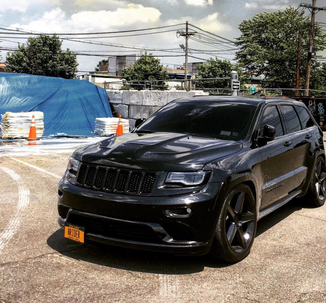 Pin By Matt Beumer On Grand Cherokee Jeep Grand Cherokee Srt Srt Jeep Jeep Srt8