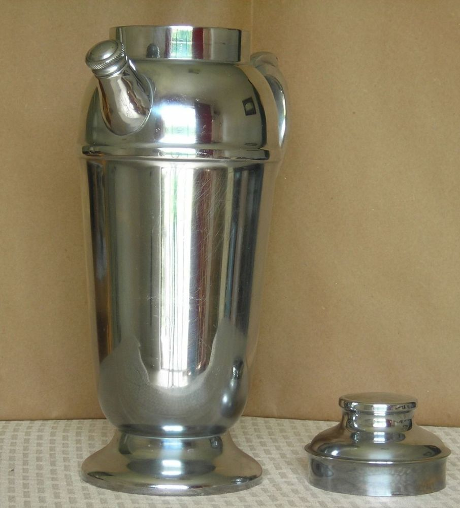 Martini Shaker with spout