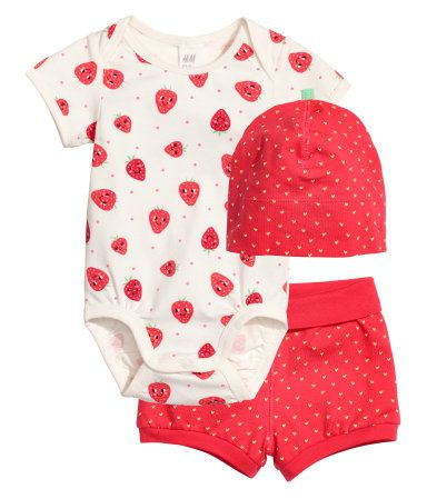 White strawberries. CONSCIOUS. Set with bodysuit f2ca6210cd06
