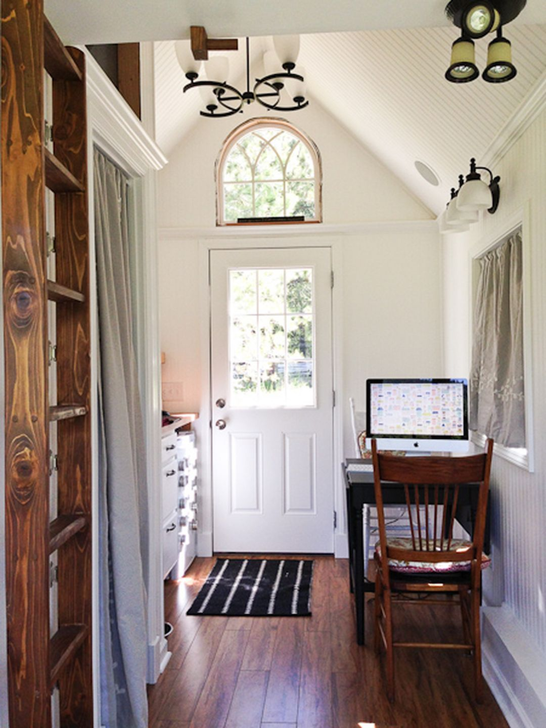 25+ Low-Budget Cool Tiny Houses Decorating Ideas You Have ...