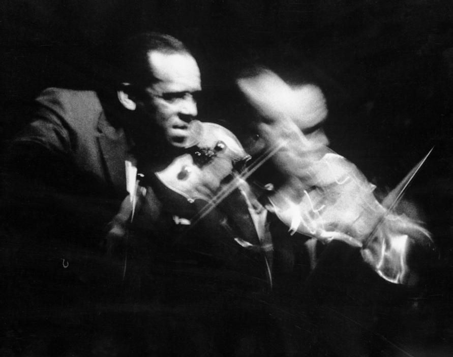 USA. Hollywood, California. 1958. Stuff SMITH a jazz violinist.