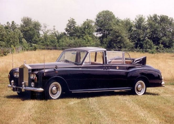 1966_State Landaulette by Mulliner Park Ward (chassis 5VD83) for the Ruler of Bahrain