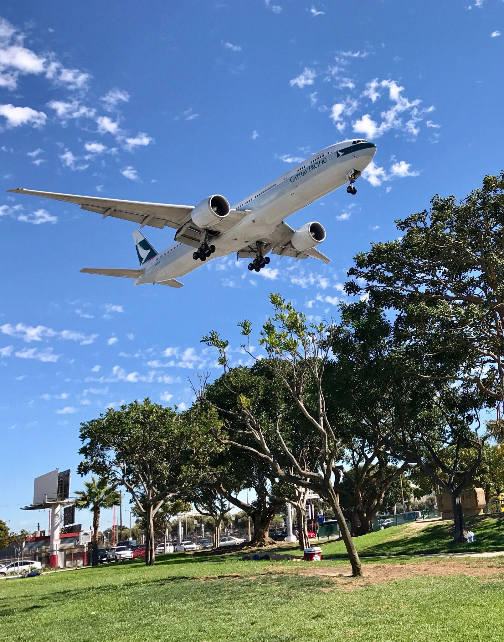 Cathay Pacific B777 Landing Lax