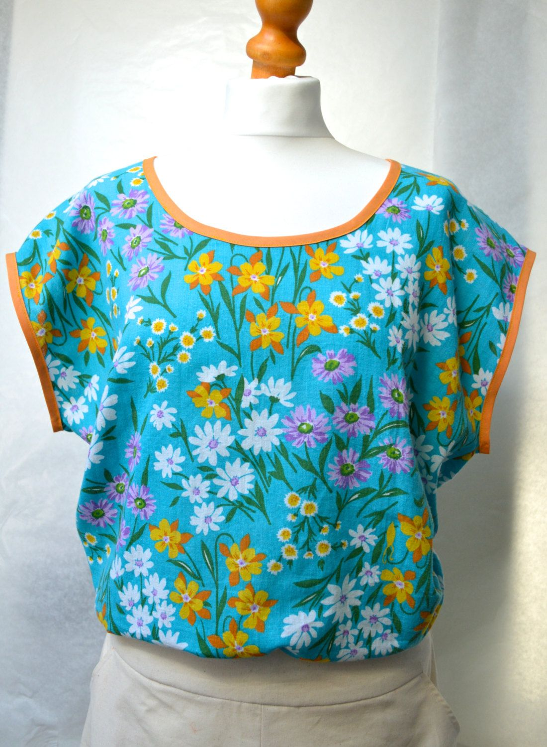 Scoop neck top, vintage fabric, flower print blues, size large by theHouseofchickaDee on Etsy