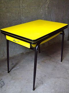 Vintage bazar table cuisine formica jaune ann e 60 d co for Deco cuisine annee 60