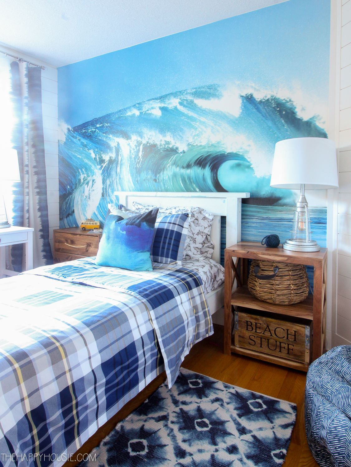 Surf Style Beachy Bedroom Makeover Reveal With Images Beachy