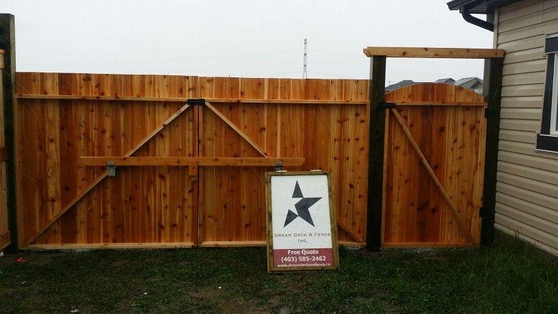 Cedar outdoor swinging gate
