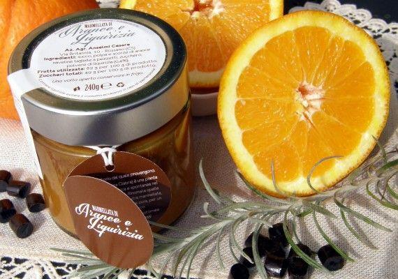Conserviamo in un vasetto il gusto autentico di un territorio unico: la Sibaritide con le sue arance Naveline e la liquirizia di Rossano per una marmellata artigianale, biologica, con l'82% di frutta su https://www.incibo.com/marmellata-di-arance-e-liquirizia.html