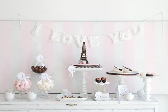 J'adore Paris - Paris Party - Love - Tour Eiffel - Chanel cupcake -  Party Ideas - Sweets - Decoration - Events - Feast Day - Candy buffet