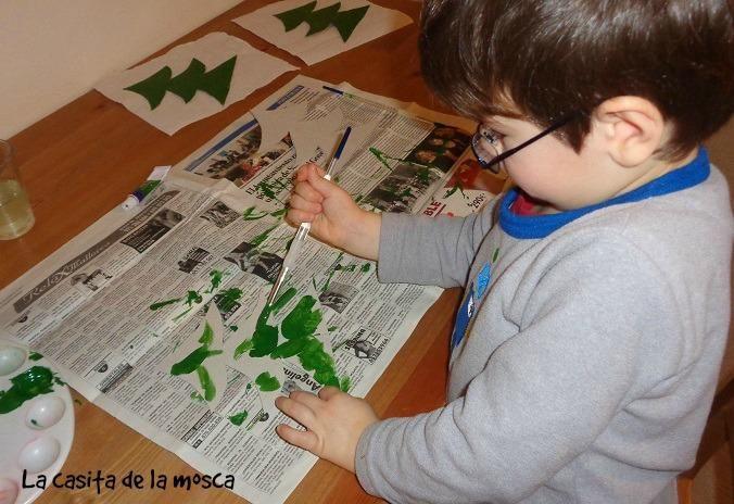 DIY: Árbol de Navidad de cartón (muy fácil)