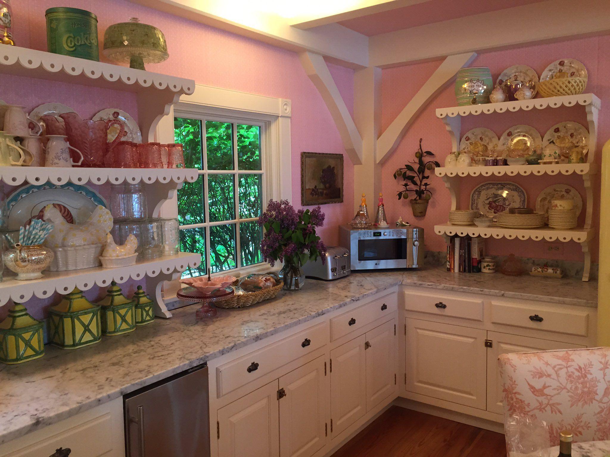 Kirstie Alley's house | Kitchen, Kitchen cabinets, Kitchen ...