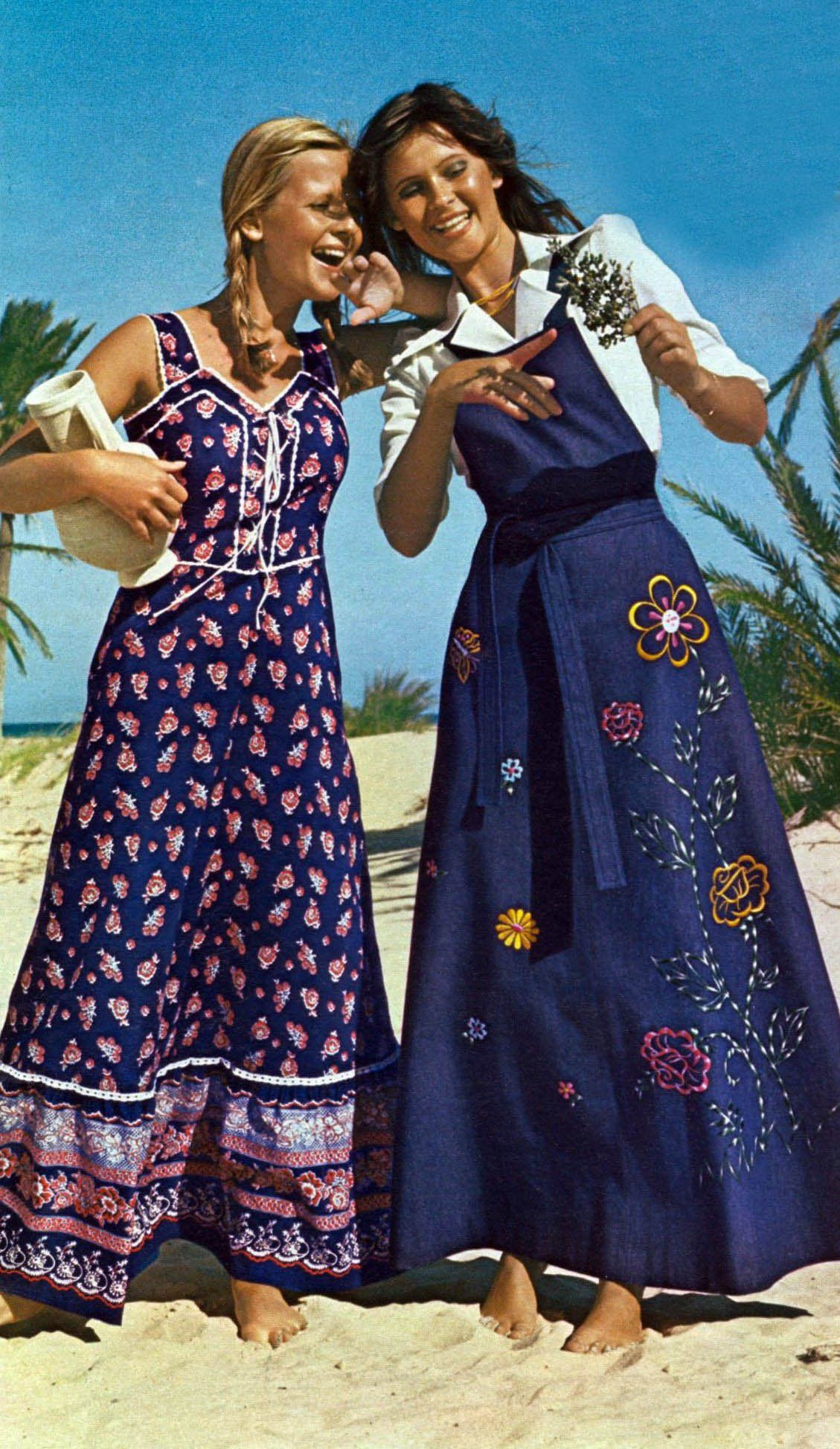 Maxi Dresses 1975 Seventies Fashion Retro Fashion Fashion 1970s [ 1947 x 1129 Pixel ]