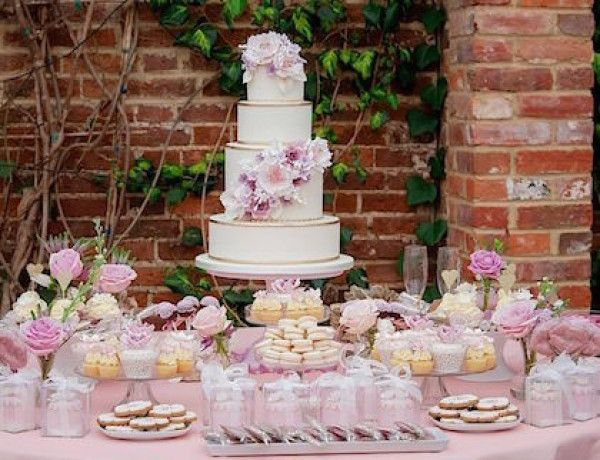 Simply Beautiful Wedding Cakes from Rachelle's