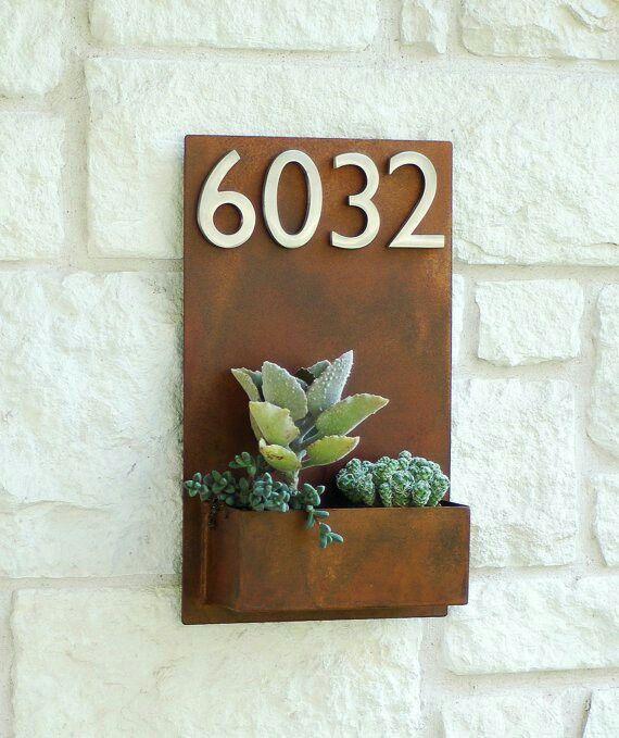 Disenos Puertas Frente Casa 25: Numero De Casa Con Suculenta
