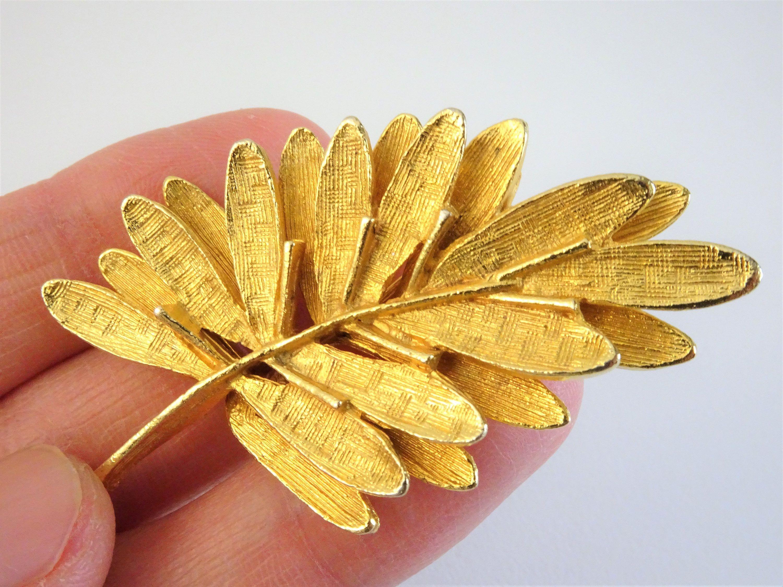Leaf Pin Leaf Brooch,Gold Leaf Pin,Gold Leaf Brooch,Leaf Jewelry,Gold Nature Pin,Gold Pin,Gold Lapel Pin,Bronze Leaf Pin,Bronze Leaf Brooch