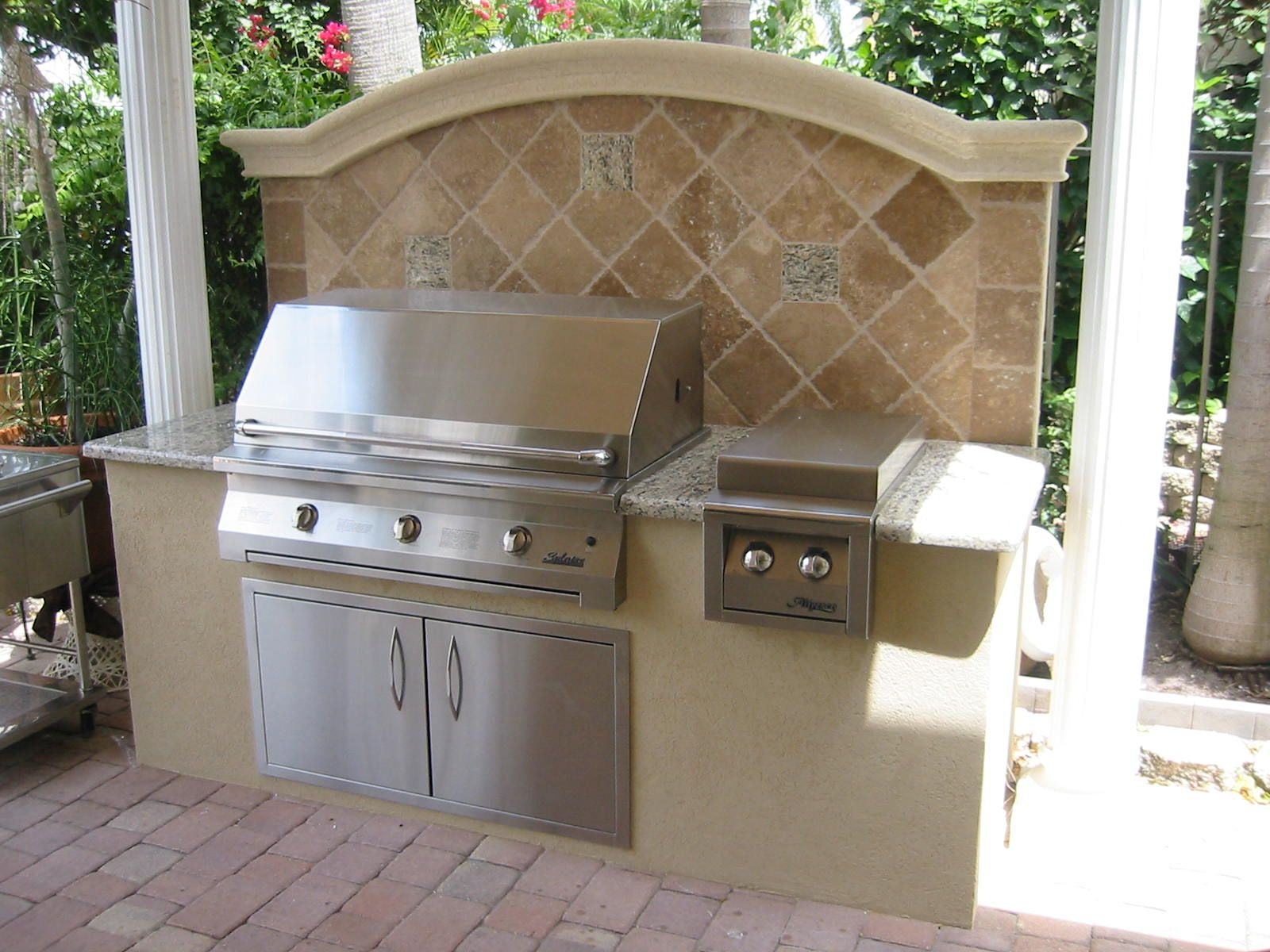 outdoor bbq designs | ... in barbecue grills built in barbecue ...