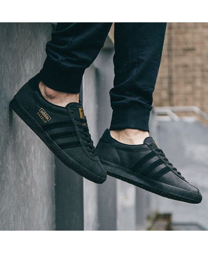new arrival f558a bfae6 Adidas Gazelle Mens Fashion Shoes In Black Gold