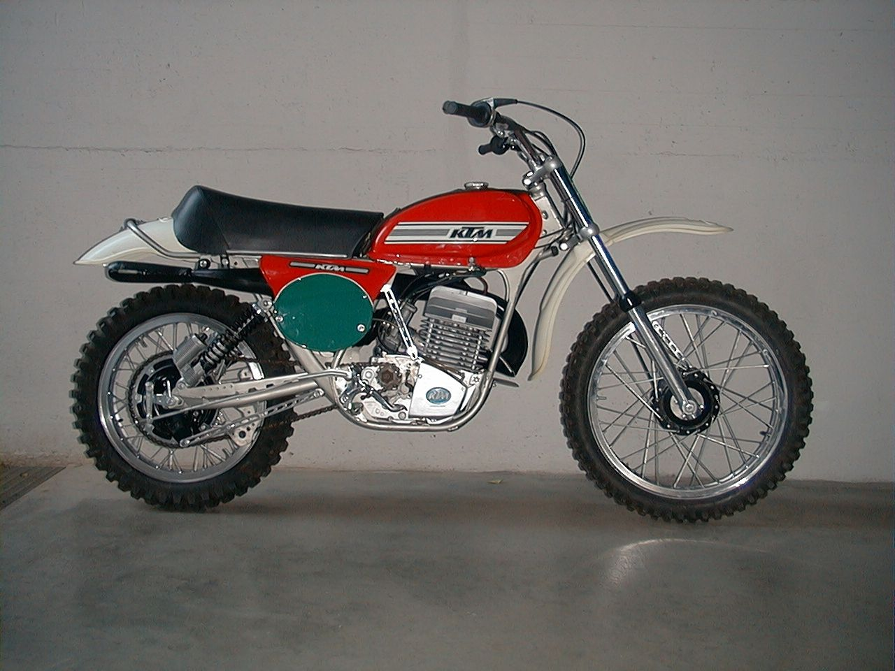 ktm 250 cross 1975 vintage motocross bikes motorrad. Black Bedroom Furniture Sets. Home Design Ideas