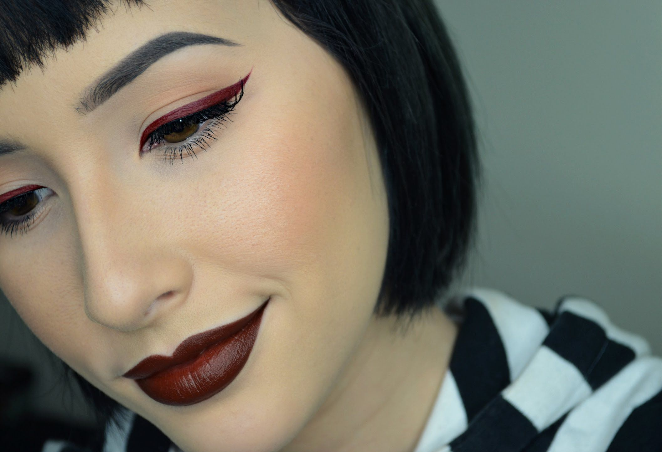 How to turn any eye shadow into eyeliner how to make