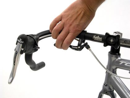 Interruptor Cross Style Brake Levers Which Allow Two Brake