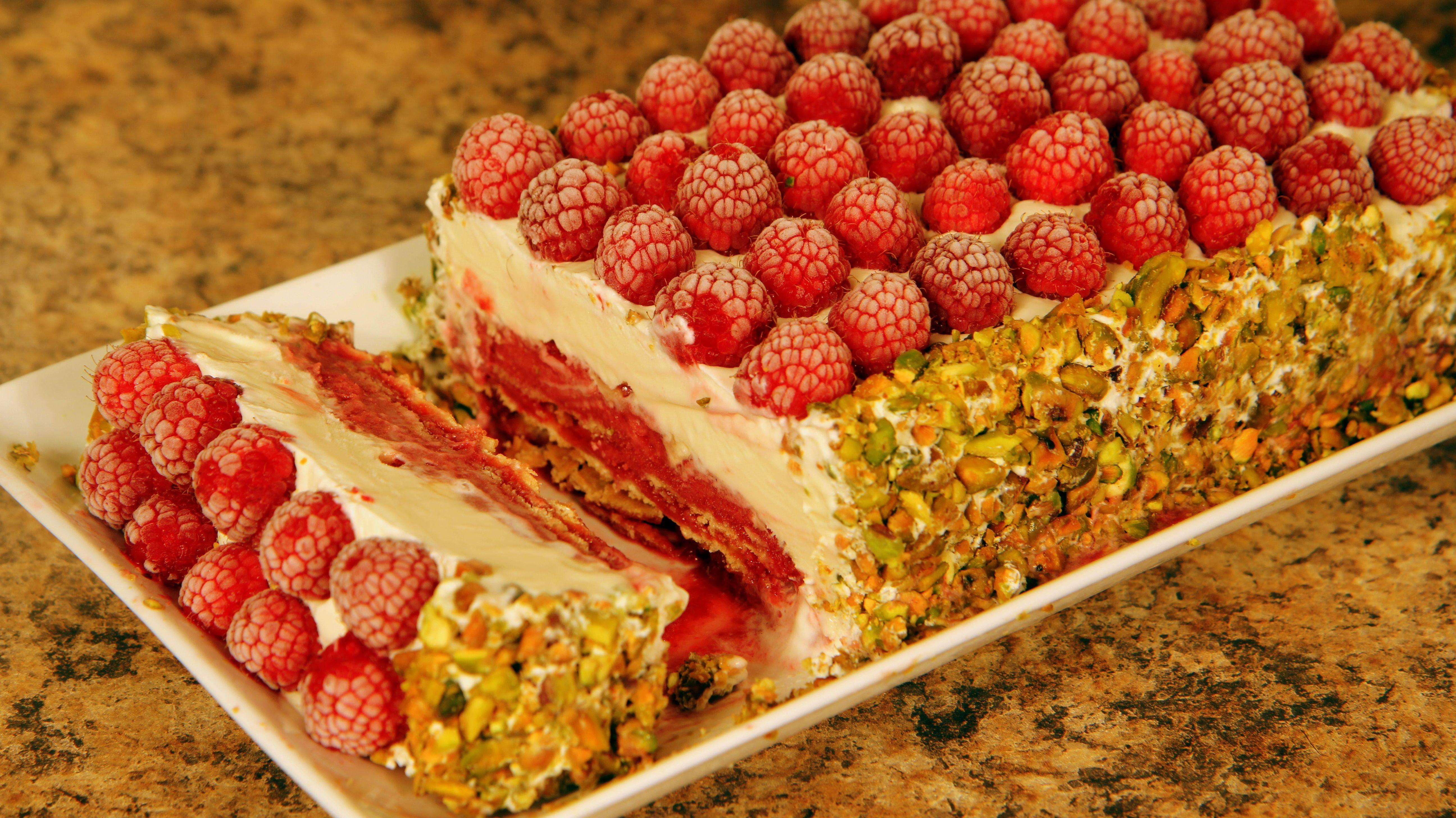 Festive Ice Cream Cake - Recipe at: cookingwithalia.c...