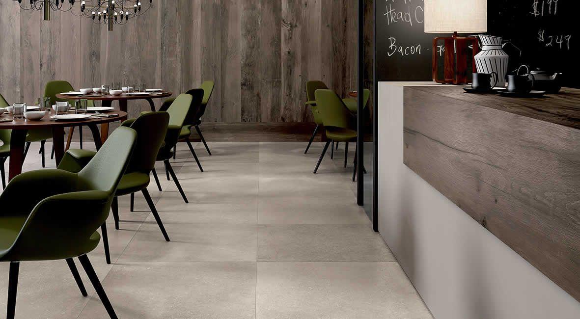 Mooie combi van houtlook en betonlook kronos mooie tegelvloeren