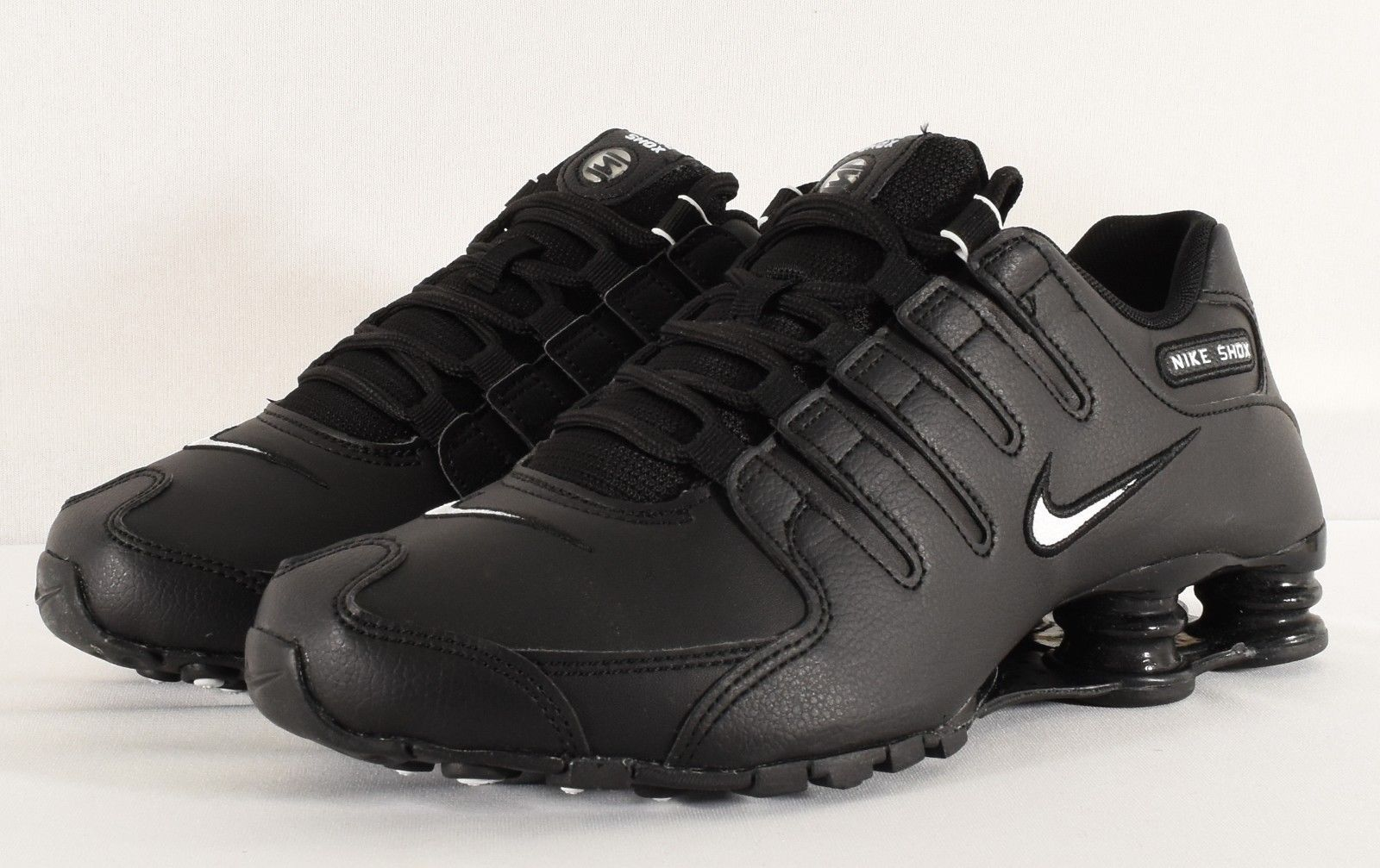 separation shoes 9e264 3dc60 NIKE Hommes Chaussures Shox NZ EU Noir   Blanc (501524 091)  Blanc