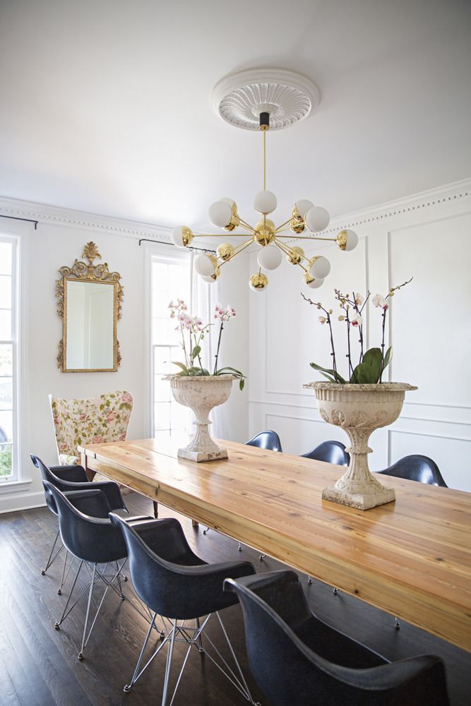 The Trick To Mixing Modern and Traditional Furniture #diningrooms