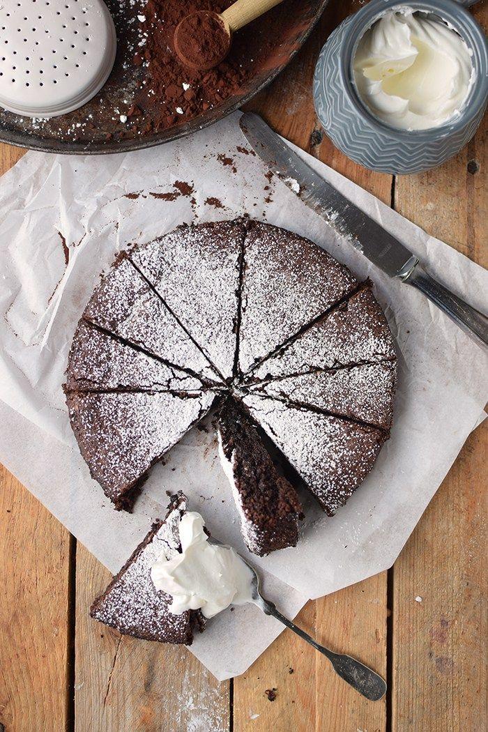 Schokoladenkuchen Mit Mandeln Saftig Und Glutenfrei Rezept Glutenfreier Schokokuchen Schokokuchen Schokoladen Kuchen