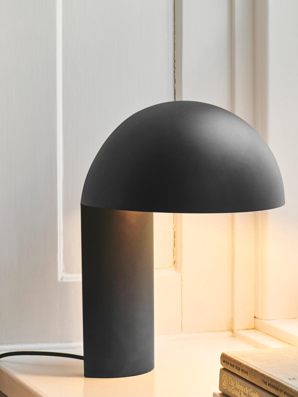 Lampe De Table Leery By Gejst Design Kasper Friis Egelund En 2020 Lampes De Table Lampe De Table Design Ameublement