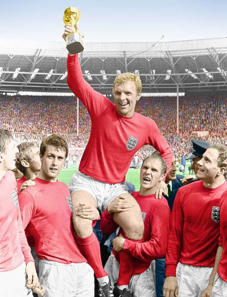 England Captain Bobby Moore Is Held Shoulder High By His Team Mates After England Won The World Cup After England Football Team 1966 World Cup World Football
