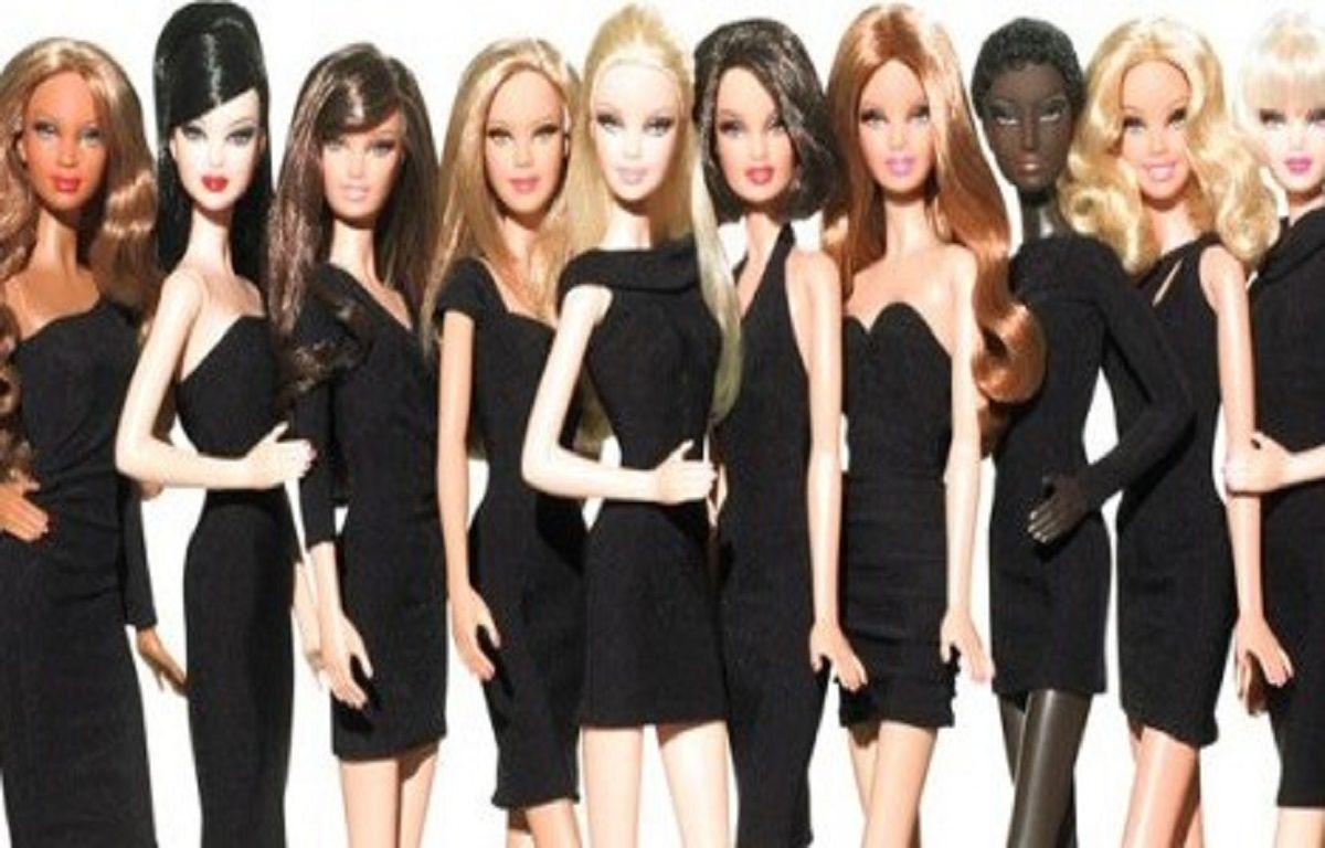 Full-Set-Nudes-Barbie-Dolls-Wallpaper-Hd-Free  Hd -7559