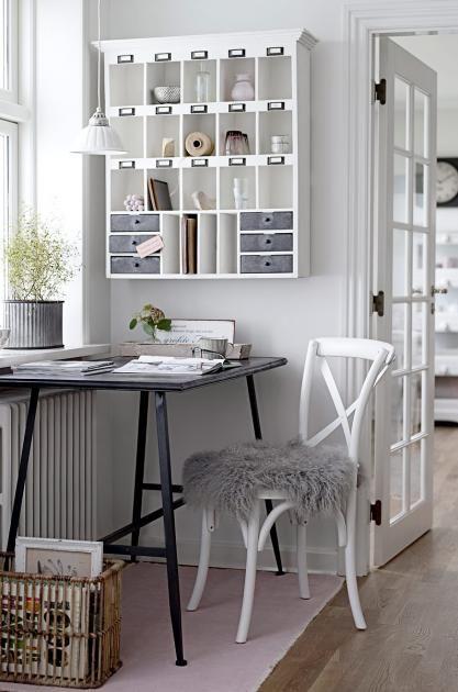 die sch nsten landhausm bel eine regalwand mit l ndlichem charme pinterest metalltische. Black Bedroom Furniture Sets. Home Design Ideas