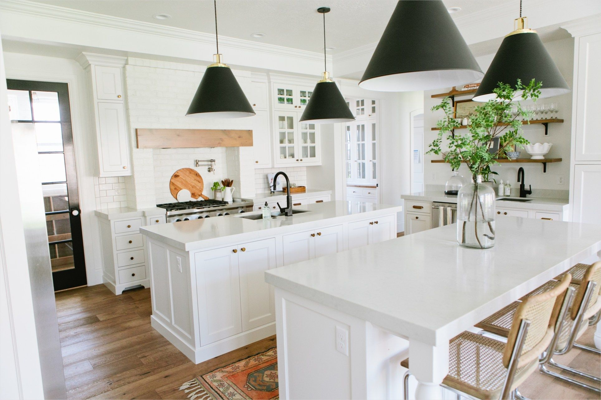 44 Stunning Modern Farmhouse Kitchen Ideas 68 The Modern Farmhouse