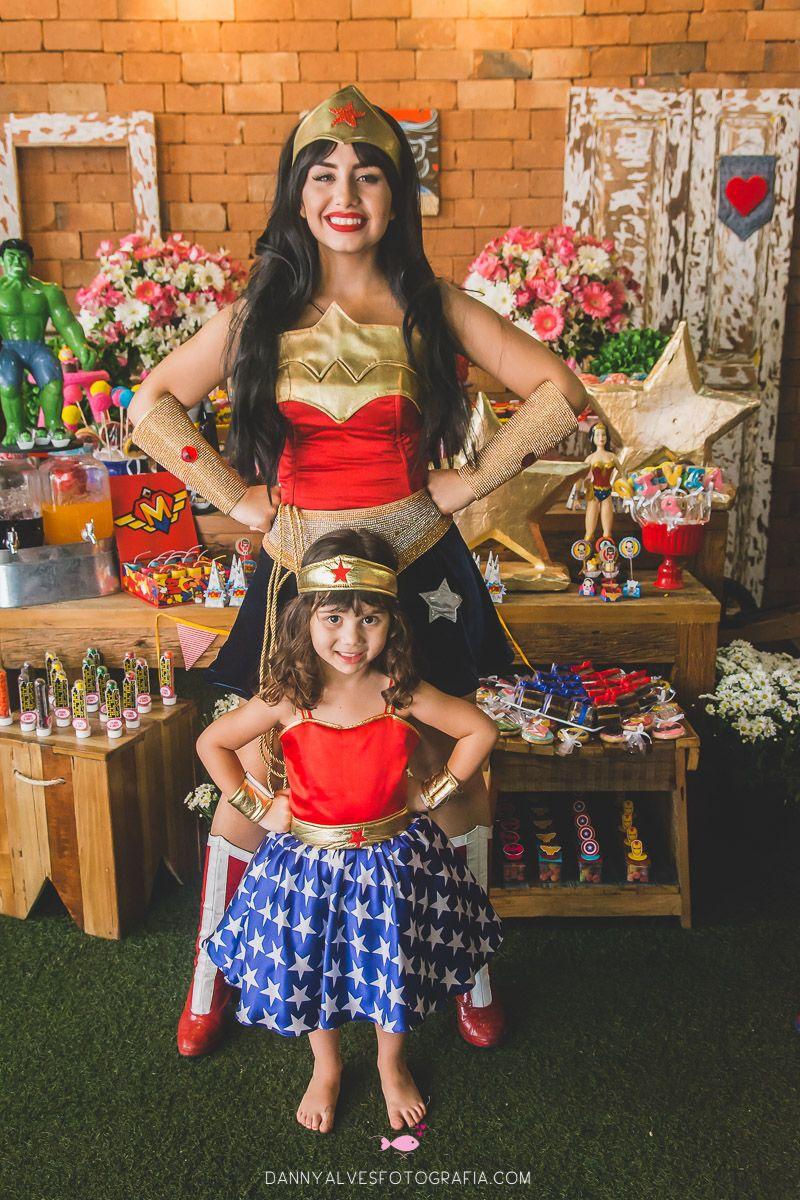 5e6a19b9e0 Festa Infantil com tema Mulher Maravilha