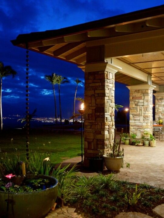 Tropical Modern Lanai, rain chain into pond (With images ...