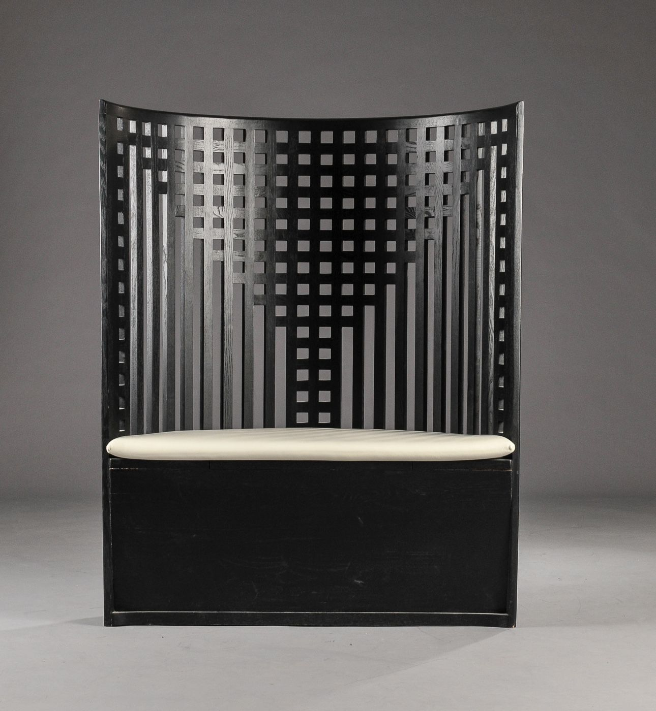 charles rennie mackintosh willow chair patio covers walmart canada settee the was designed in 1904 for tea rooms glasgow scotland