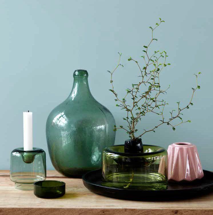 Stoer In Style De Webshop Met Trendy Woonaccessoires In Bijvoorbeeld De Kleuren Blauw En Groen Glazen Fles Kaarsenst Groen Interieur Interieur Groen