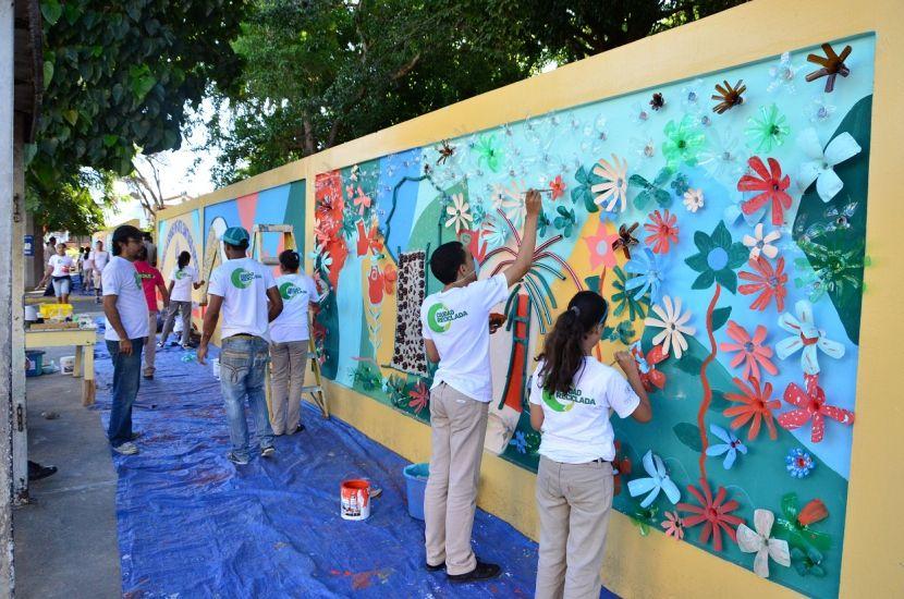 Murales Escolares Creativos Buscar Con Google Murales Escolares