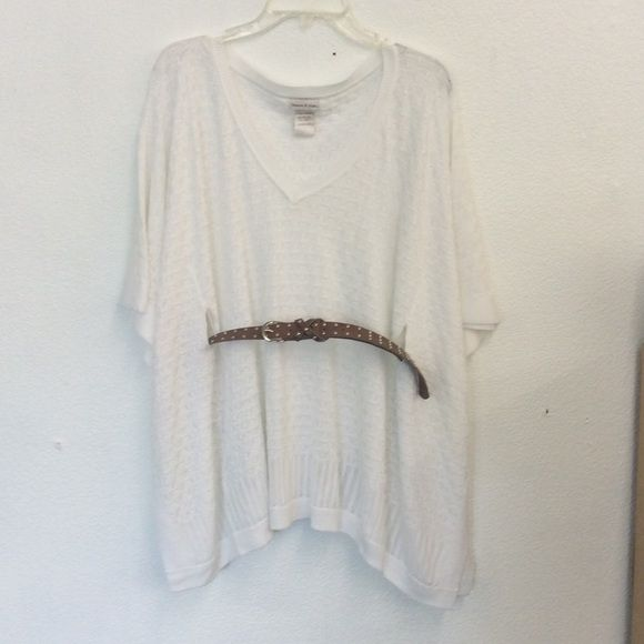 7454811ce69 Off white knit styled top . Size approx. L or XL Very cute knitted ...
