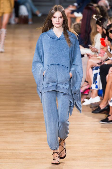 "<p tabindex=""-1"" class=""tmt-composer-block-format-target tmt-composer-current-target"">Chloé spring 2015 collection. Photo: Imaxtree</p>"