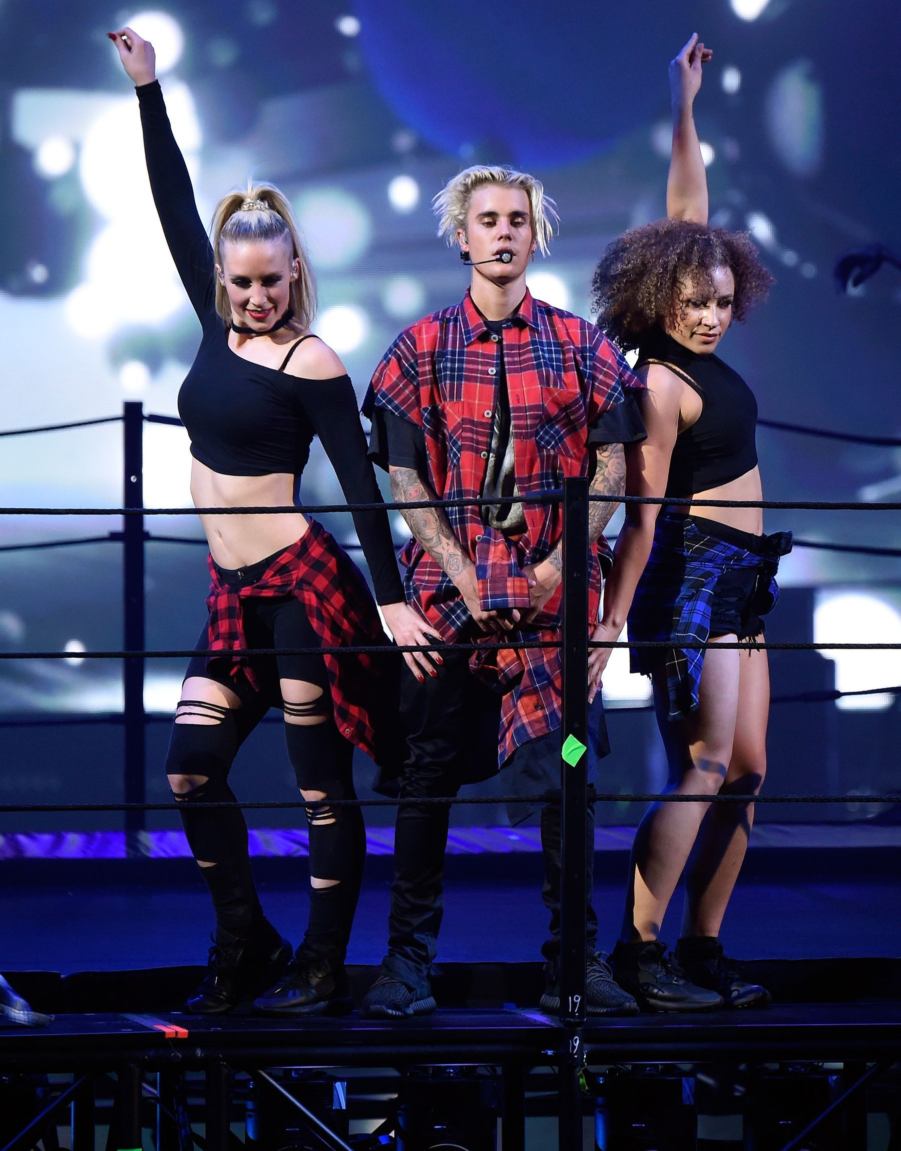 21 Justin Bieber Photos To Help Soothe Your Purpose Tour Fomo Justin Bieber Photos Justin Bieber I Love Justin Bieber