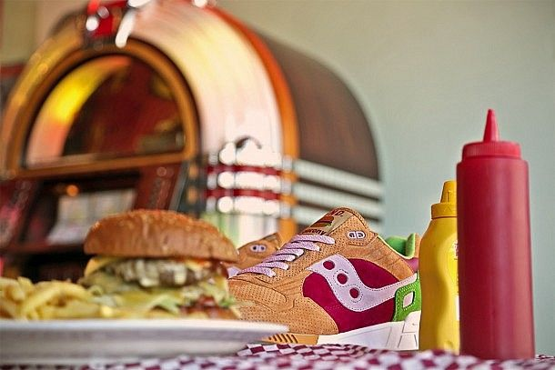 Saucony x END. Shadow 5000 'Burger' Sneakers