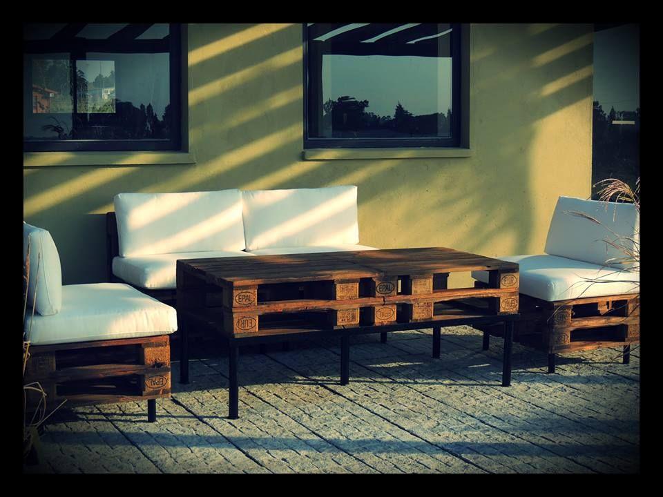 Juego living en pallets para exterior o interior 1 sill n for Almohadones para sillones